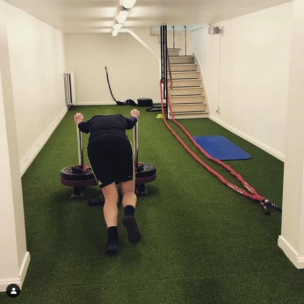 Screenshot-2019-5-28-Revo-Sport-✖️Physio-op-Instagram-Laatste-loodjes-van-de-dag-Omdat-krachttraining-niet-altijd-saai-hoe...